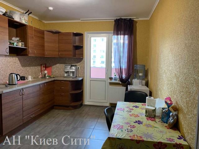 Аренда 3х комнатной квартиры ул. Е. Чавдар 38 Дарницкий район